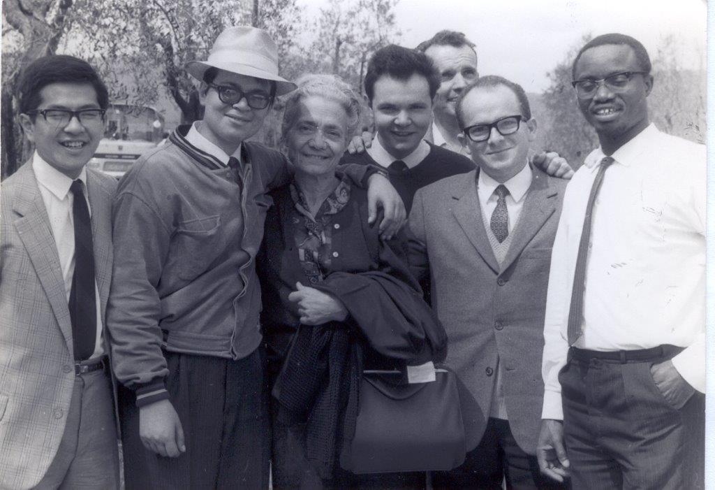 Albertina con alcuni popi a Loppiano