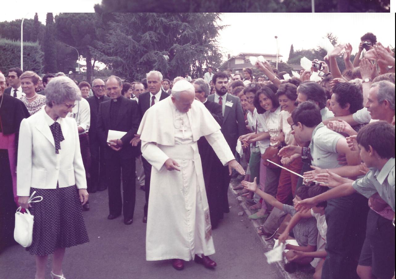 Il Papa S. Giovanni Paolo II, Chiara e Maras – 1984 – Centro Mariapoli di Rocca di Papa