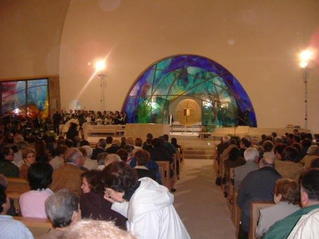 Interno del Santuario Maria Theotokos