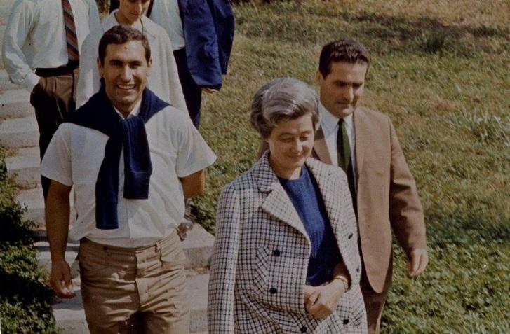 Chiara Lubich al centro - a destra Luigi Stralla
