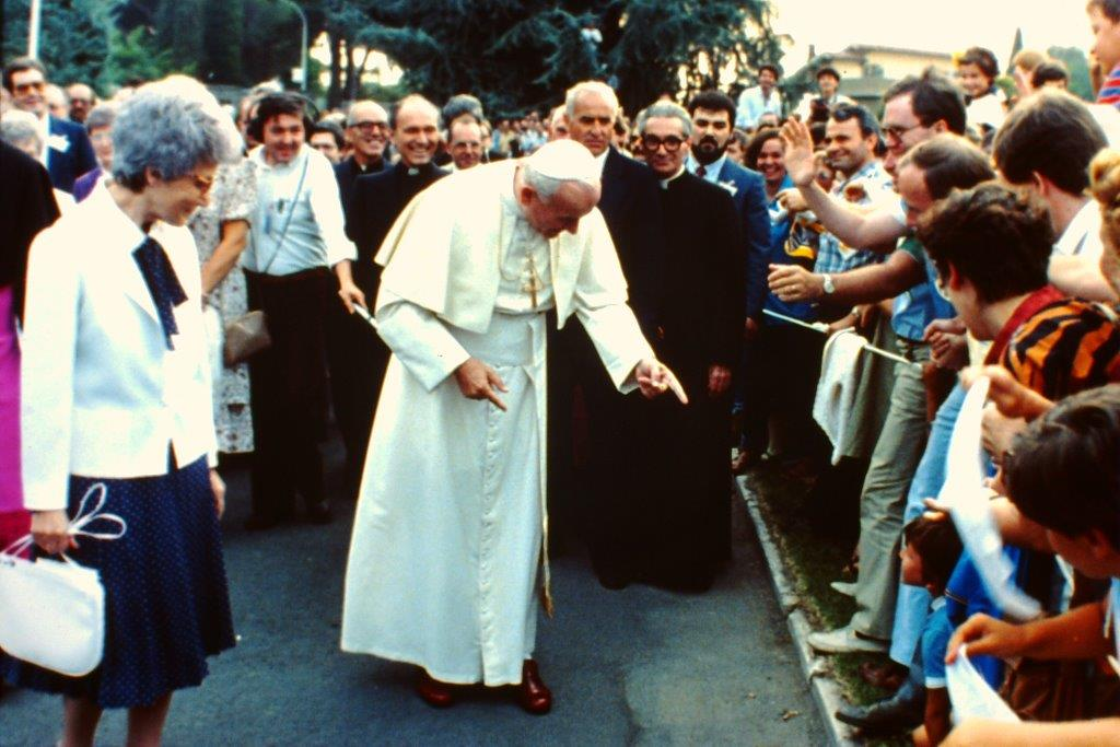 Maras col Papa e Chiara - agosto 1984