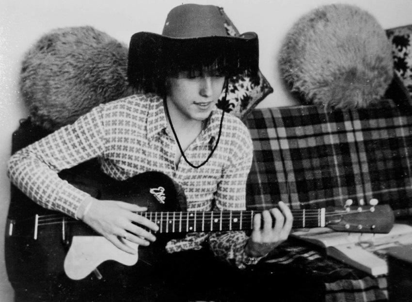 Paolo con la sua chitarra