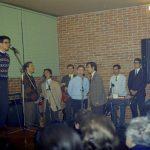 3) Chico canta nel primo anniversario di Aurelio