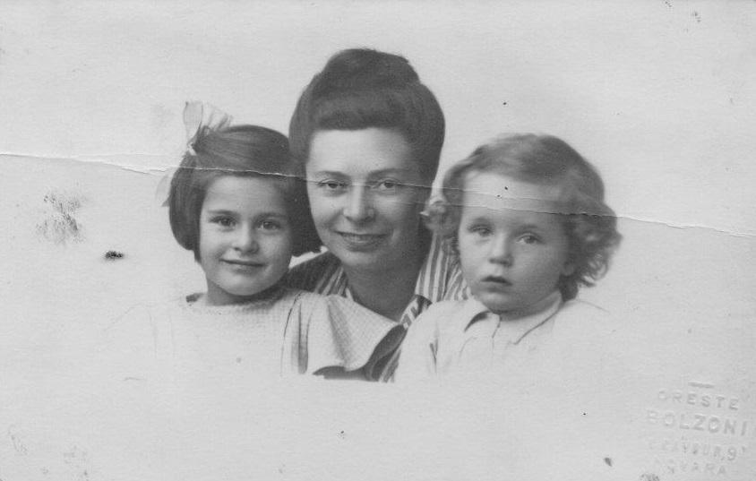 Caterina, mamma Paola e Aurelio Lagorio